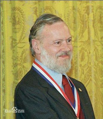 C语言创始人:丹尼斯·麦卡利斯泰尔·里奇